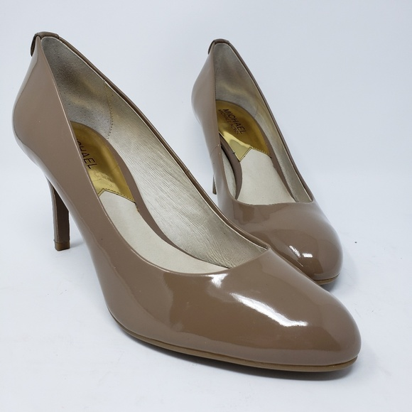 MICHAEL Michael Kors Shoes - Michael by Michael Kors tan heels size 9